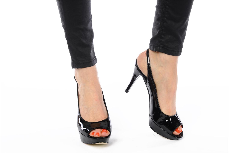 Sandales et nu-pieds Stuart Weitzman Nyon Noir vue bas / vue portée sac