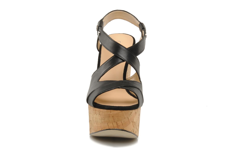 Sandalen Guess Tacka Zwart model