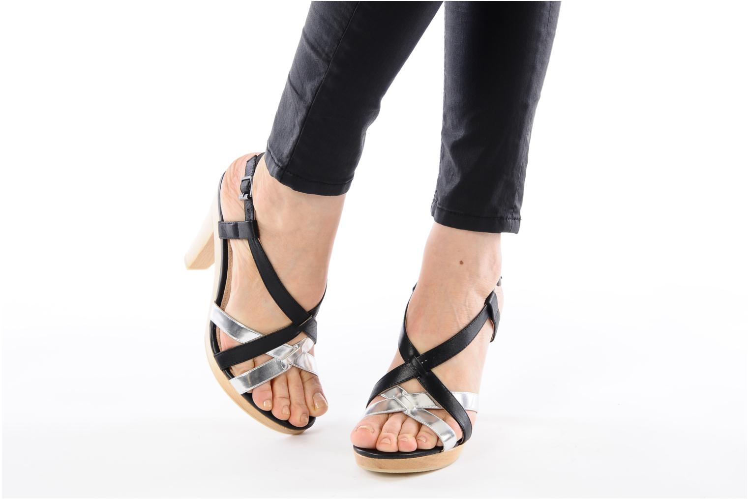 Sandals Mellow Yellow Lebon Black view from underneath / model view