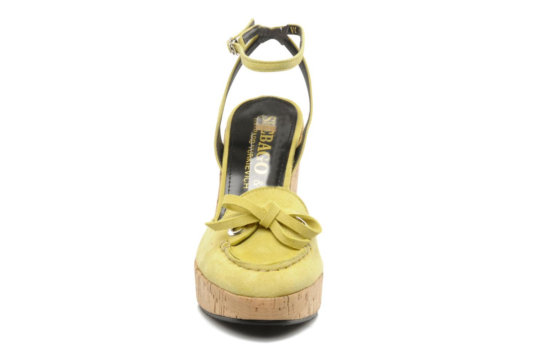 Sandales et nu-pieds Sebago & Gaspard Yurkievich Ydriss Jaune vue portées chaussures