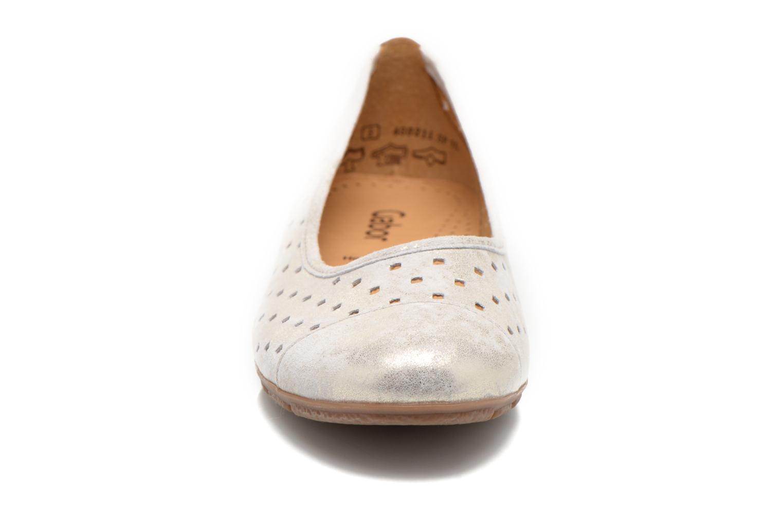 Ballerines Gabor Stéphanie Beige vue portées chaussures