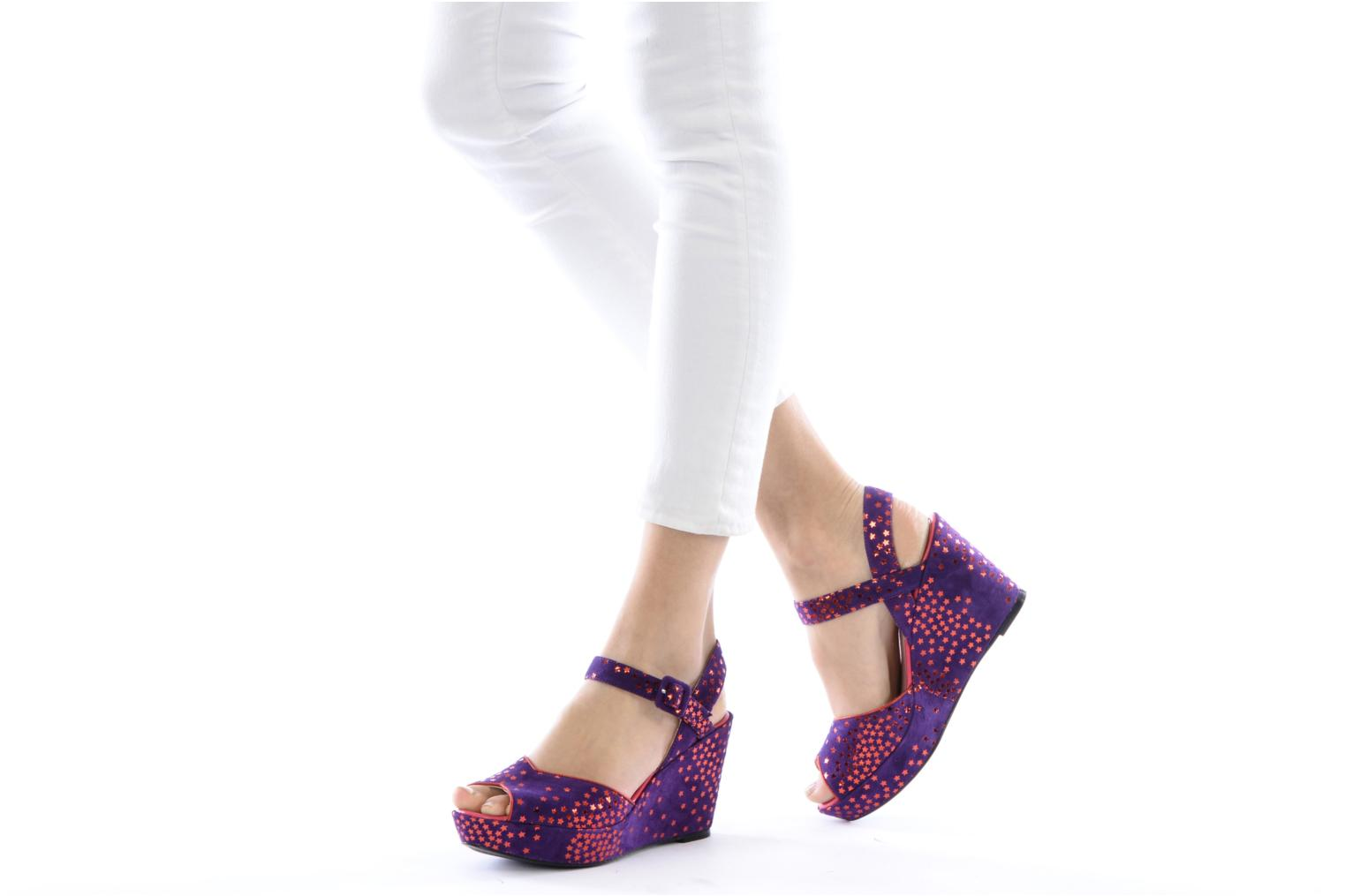 Sandals Annabel Winship Jodie Purple view from underneath / model view