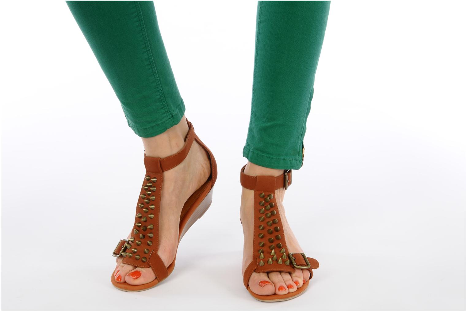 Sandals Jeffrey Campbell Barbary Spike Brown view from underneath / model view
