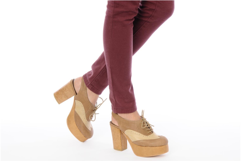 Chaussures à lacets Jeffrey Campbell Ditto Beige vue bas / vue portée sac