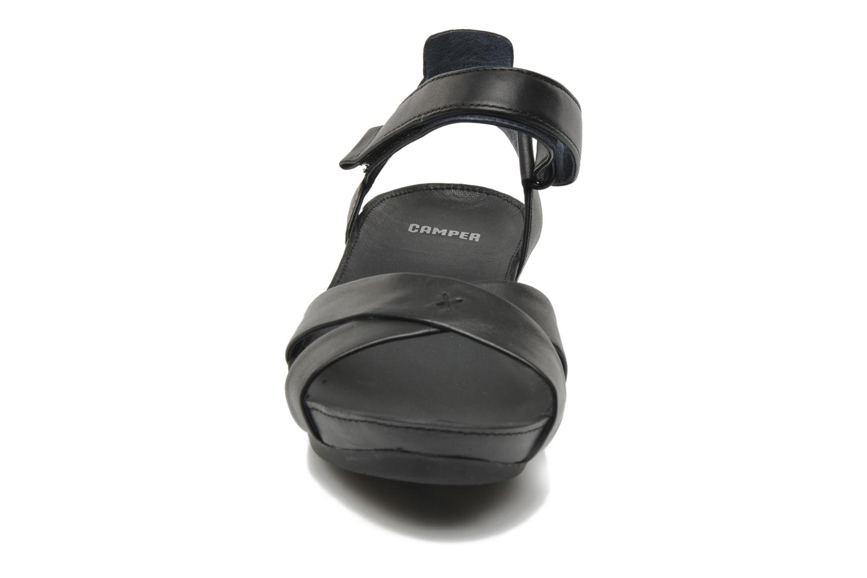 Sandalen Camper Micro 21584 schwarz schuhe getragen