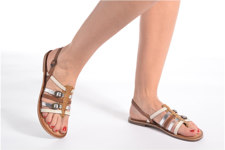 Sandales et nu-pieds Kickers Dixmille Marron vue bas / vue portée sac