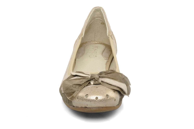 Ballerines Khrio Benda Beige vue portées chaussures