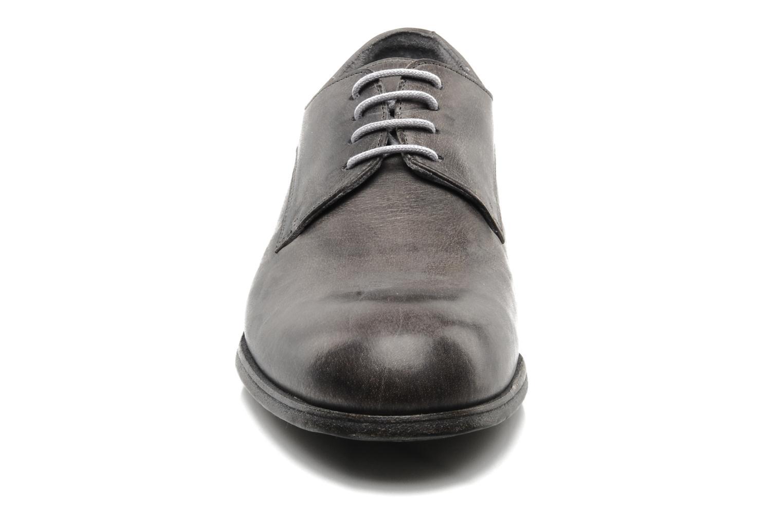 Chaussures à lacets Free Lance Azev 4 derby Gris vue portées chaussures