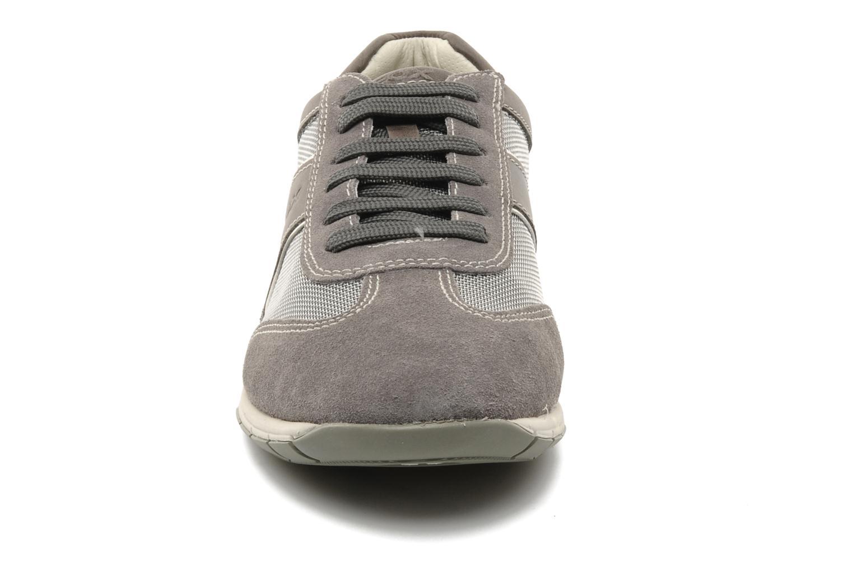 Baskets Geox U ACTIVE A Gris vue portées chaussures