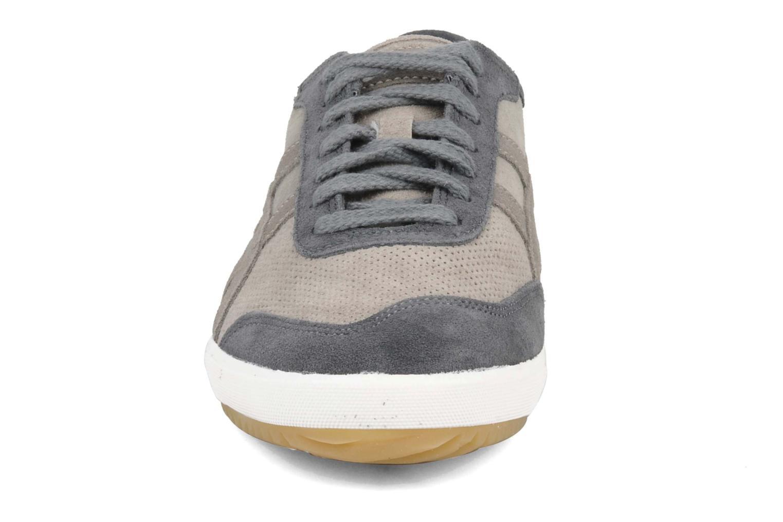 Baskets Asics Retro Rocket & Shoes Up Gris vue portées chaussures