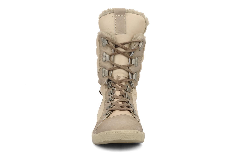 Sneaker Pataugas Janet w beige schuhe getragen