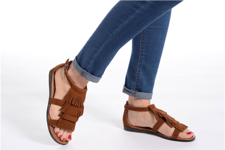 Sandales et nu-pieds Minnetonka Maui Marron vue bas / vue portée sac