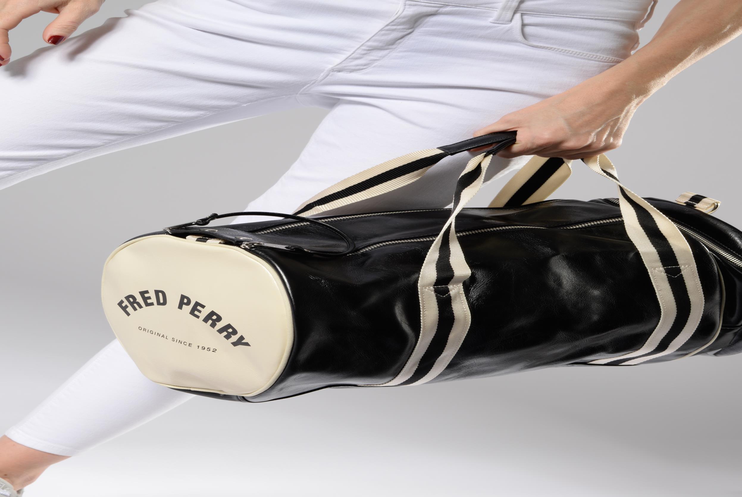 Sacs de sport Fred Perry Classic Barrel Bag Noir vue haut