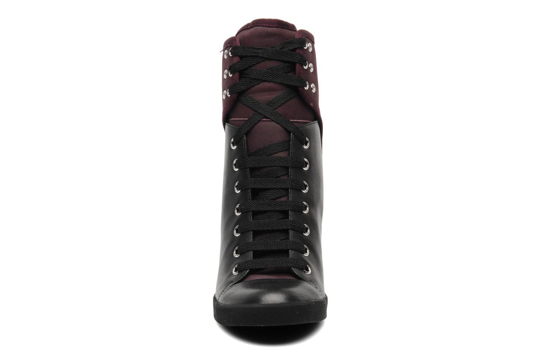 Sneakers See by Chloé New Sam Zwart model