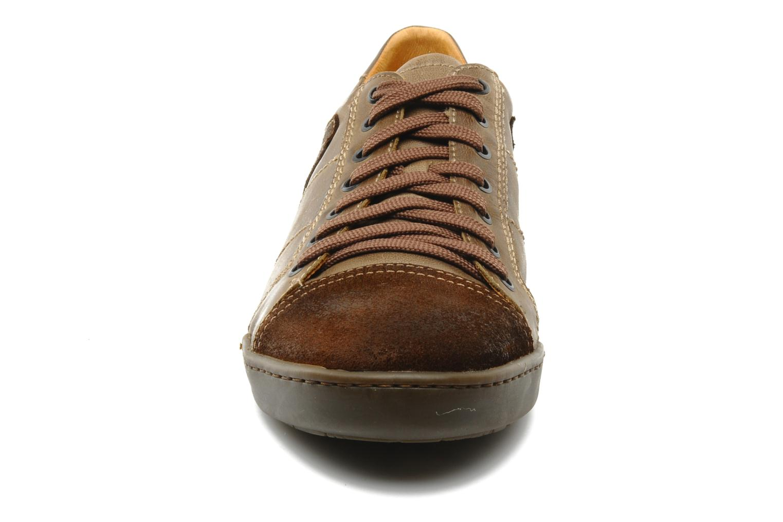 Sneakers Pikolinos Ténérife 5217F Marrone modello indossato