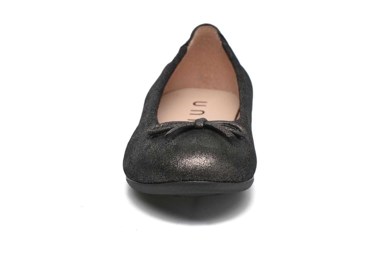 Ballerines Unisa Cresy Gris vue portées chaussures