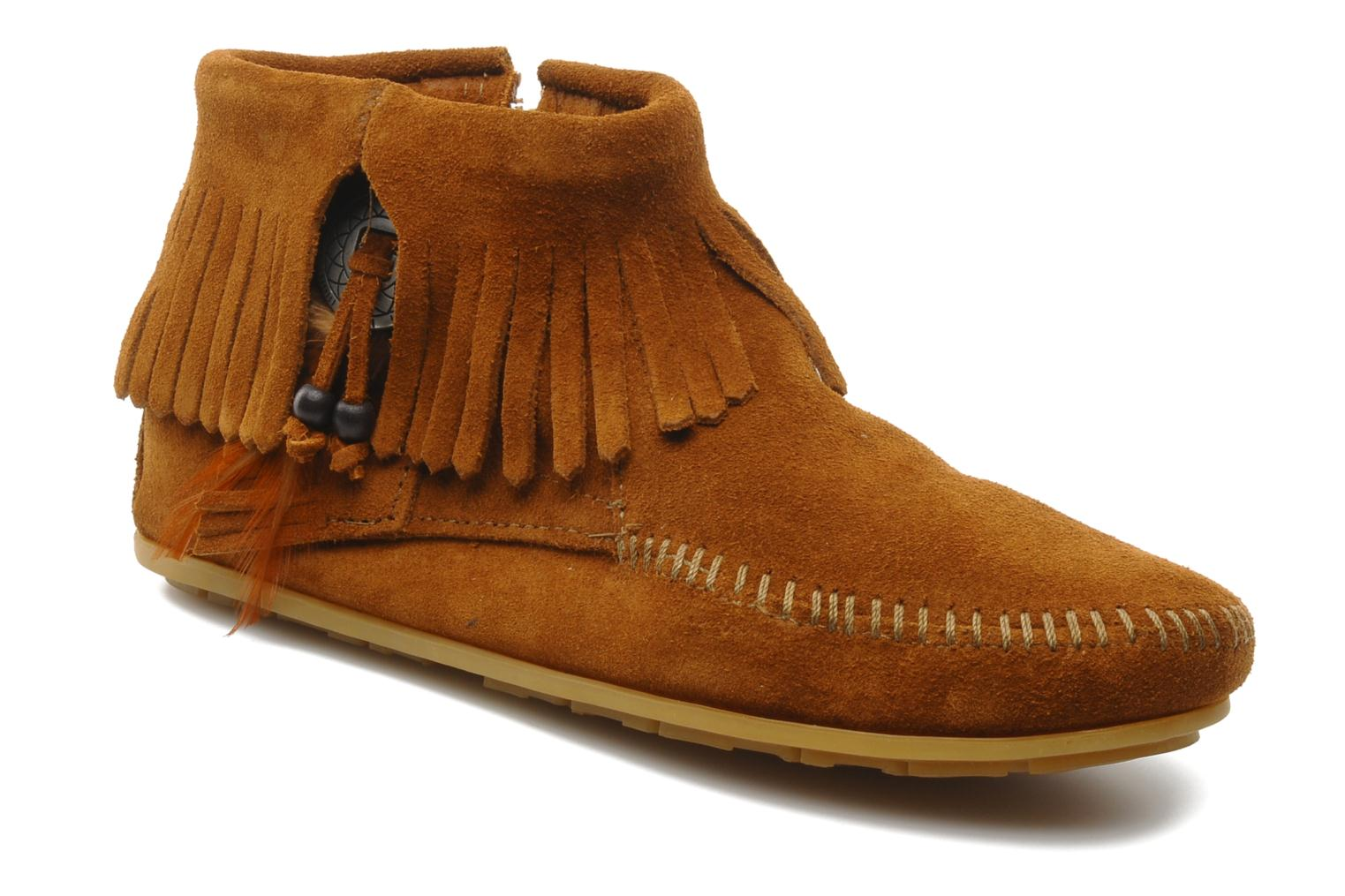 Ankle boots Minnetonka CONCHOFEATHER BT Brown detailed view/ Pair view