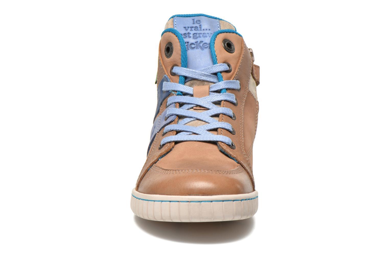 Baskets Kickers Wincut Gris vue portées chaussures