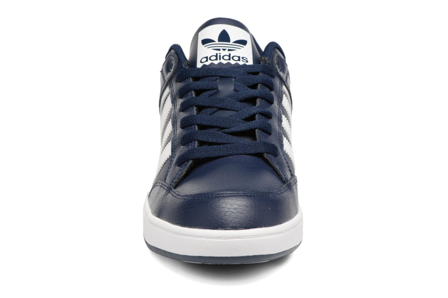 Trainers Adidas Originals Varial Low Blue model view