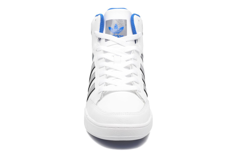 Deportivas Adidas Originals Varial Mid Blanco vista del modelo