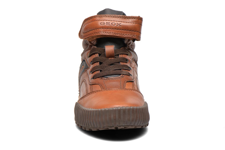 Sneaker Geox J MYTHOS D braun schuhe getragen