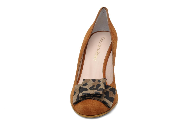 Escarpins Georgia Rose Croissant chaud Marron vue portées chaussures