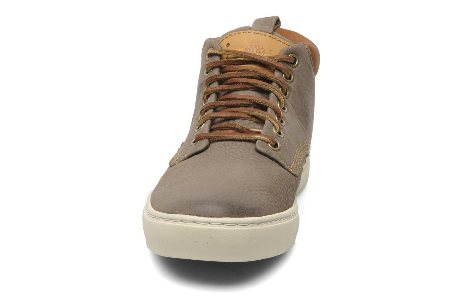 Baskets Timberland Earthkeepers 2.0 Cupsole Chukka Gris vue portées chaussures