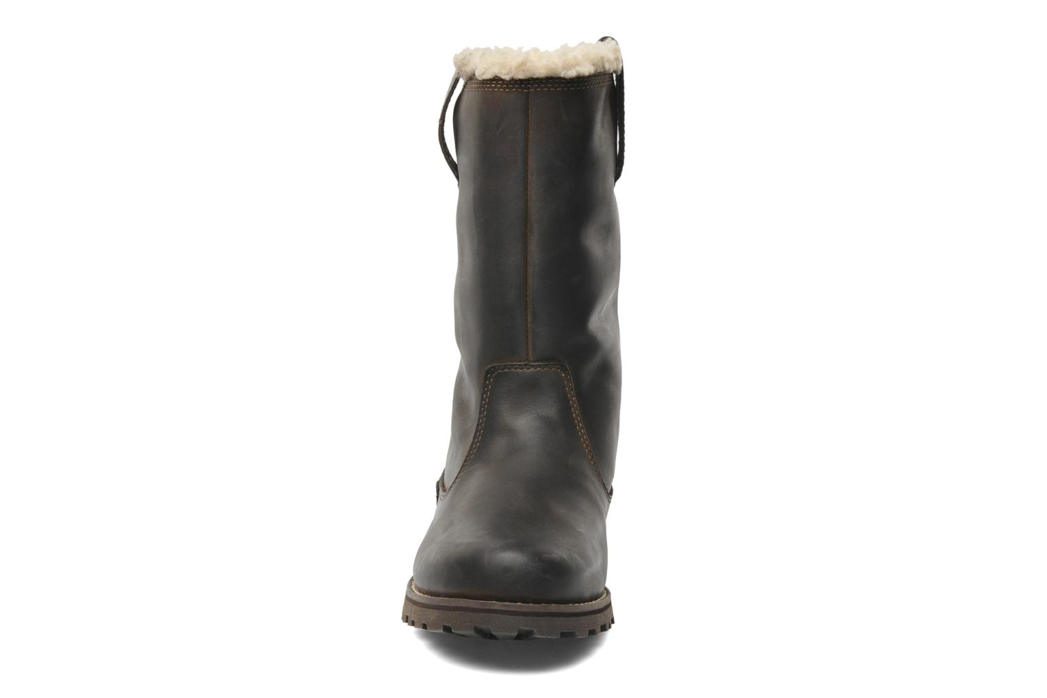 Stiefel Timberland 8 In Pull On WP Boot with Shearling braun schuhe getragen