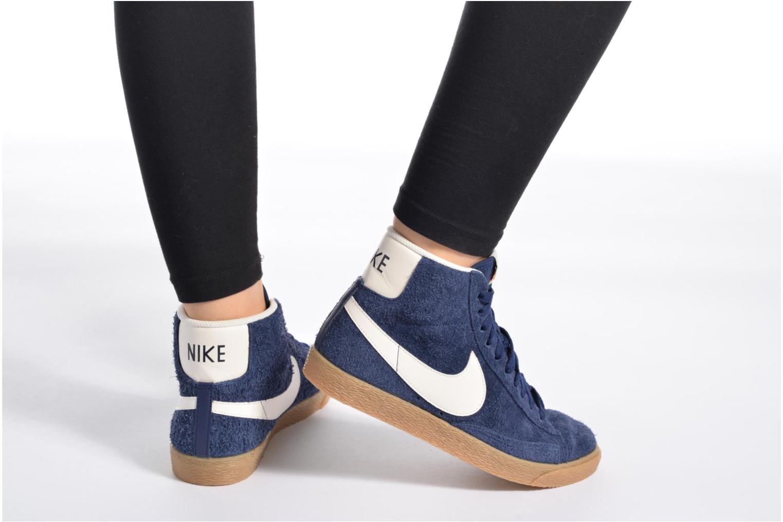 Baskets Nike Wmns Blazer Mid Suede Vintage Bleu vue bas / vue portée sac