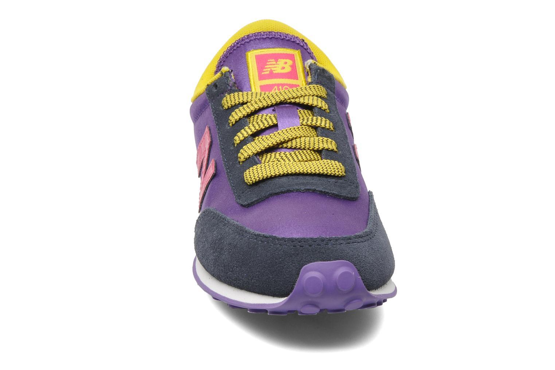 Baskets New Balance UL410 Violet vue portées chaussures