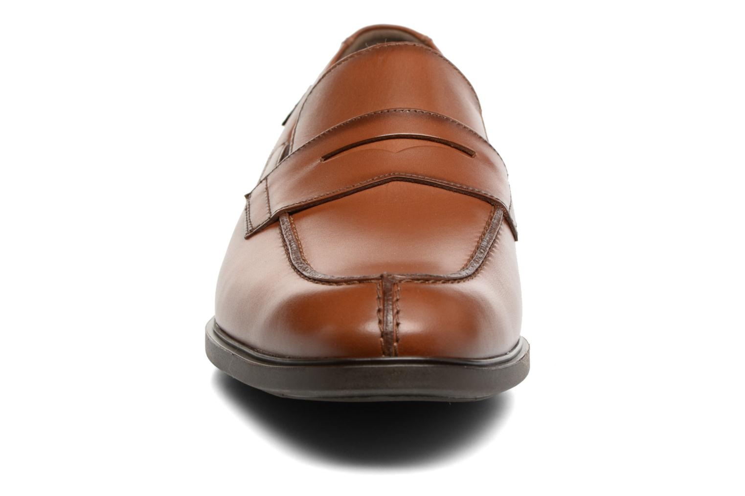 Loafers Mephisto Fortino Brown model view