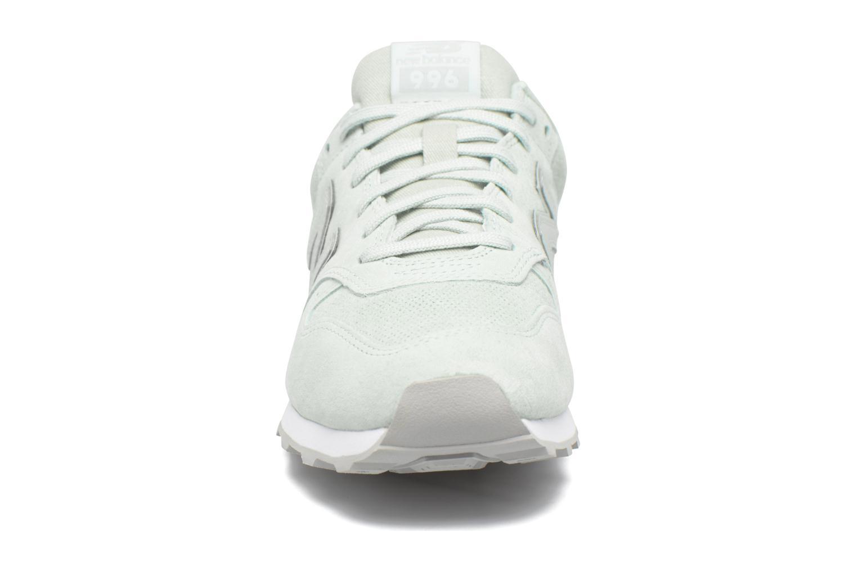 Sneaker New Balance WR996 grün schuhe getragen