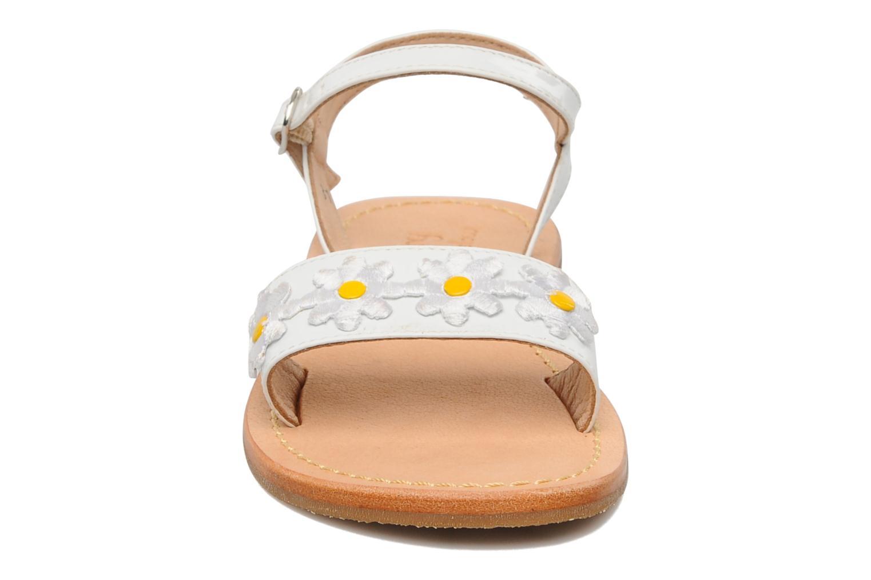 Sandalen Mellow Yellow Mini Naisy weiß schuhe getragen
