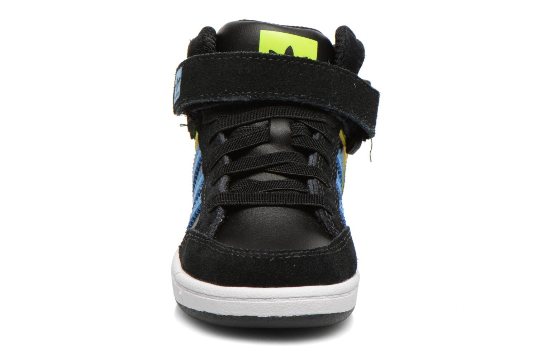 Sneaker Adidas Originals Varial Mid I schwarz schuhe getragen