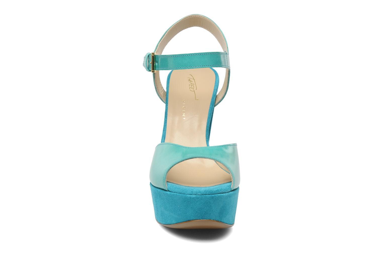 Sandali e scarpe aperte Tapeet Tunea Verde modello indossato