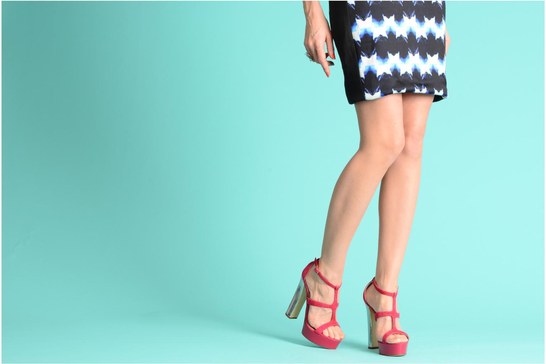 Sandalen Vicini Trafacette rosa ansicht von unten / tasche getragen