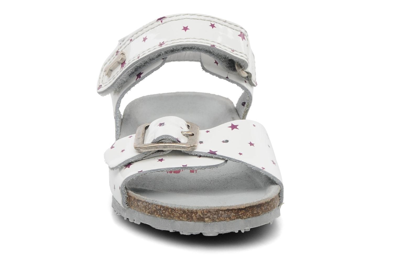Sandales et nu-pieds Stones and Bones Cleo Blanc vue portées chaussures