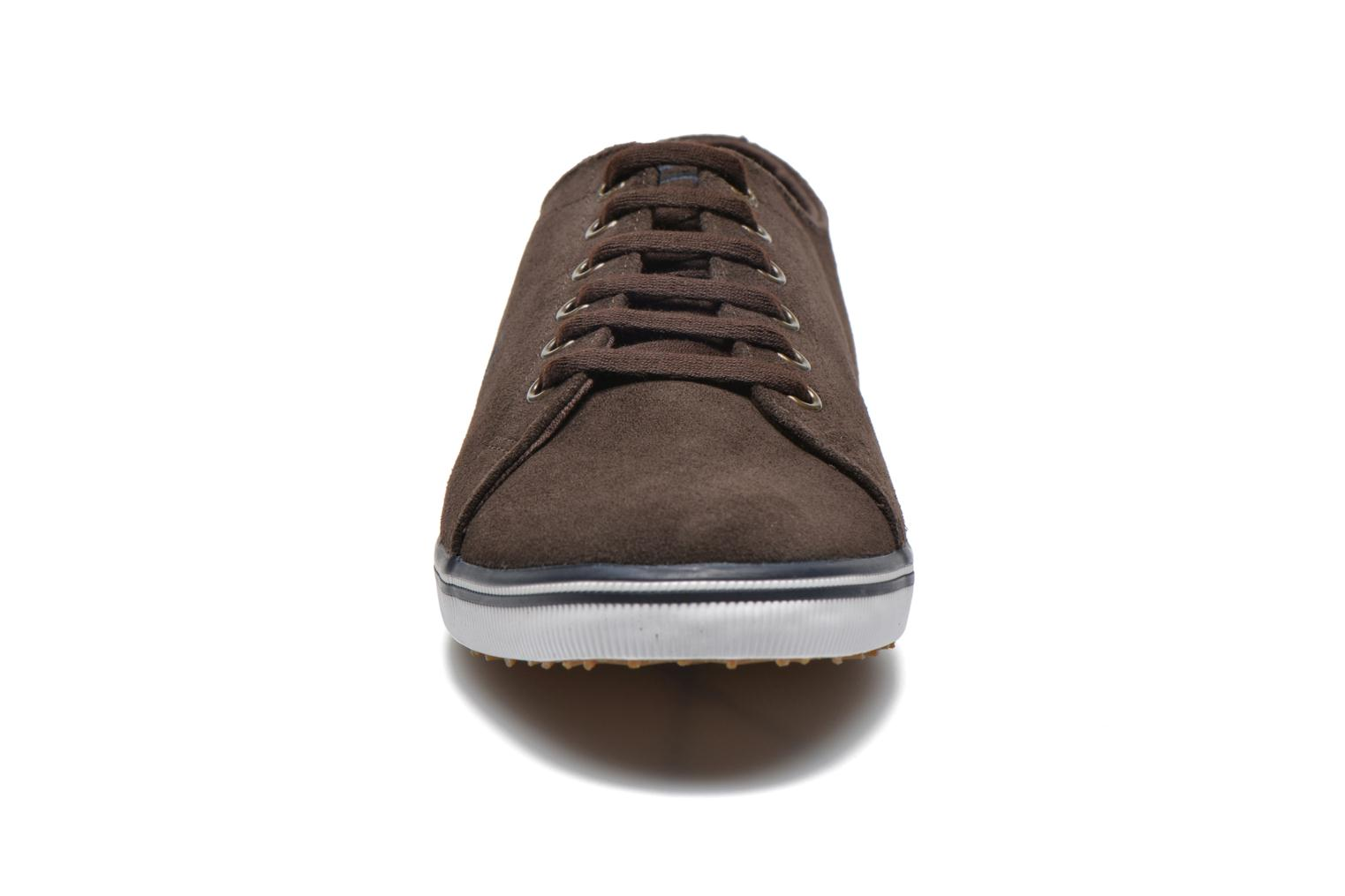 Baskets Fred Perry KingstoneSuede Marron vue portées chaussures