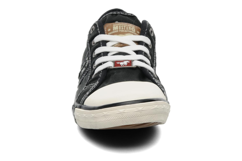 Baskets Mustang shoes Flaki Noir vue portées chaussures