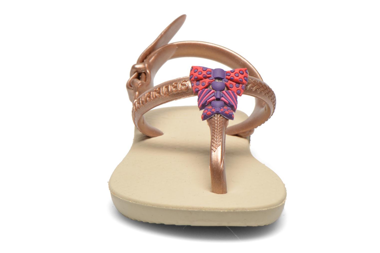 Sandales et nu-pieds Havaianas Kids Freedom Or et bronze vue portées chaussures