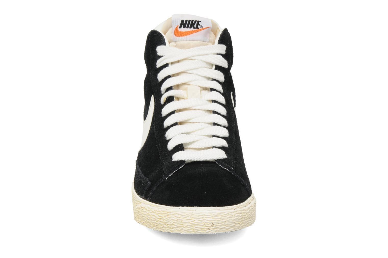 Baskets Nike Blazer High Vintage Noir vue portées chaussures