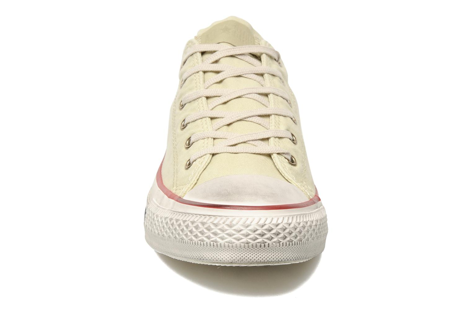 Baskets Converse Chuck Taylor All Star Fashion Washed Ox M Beige vue portées chaussures