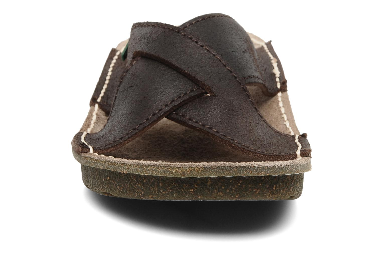 Sandales et nu-pieds El Naturalista Contradicion EL n°220 Marron vue portées chaussures
