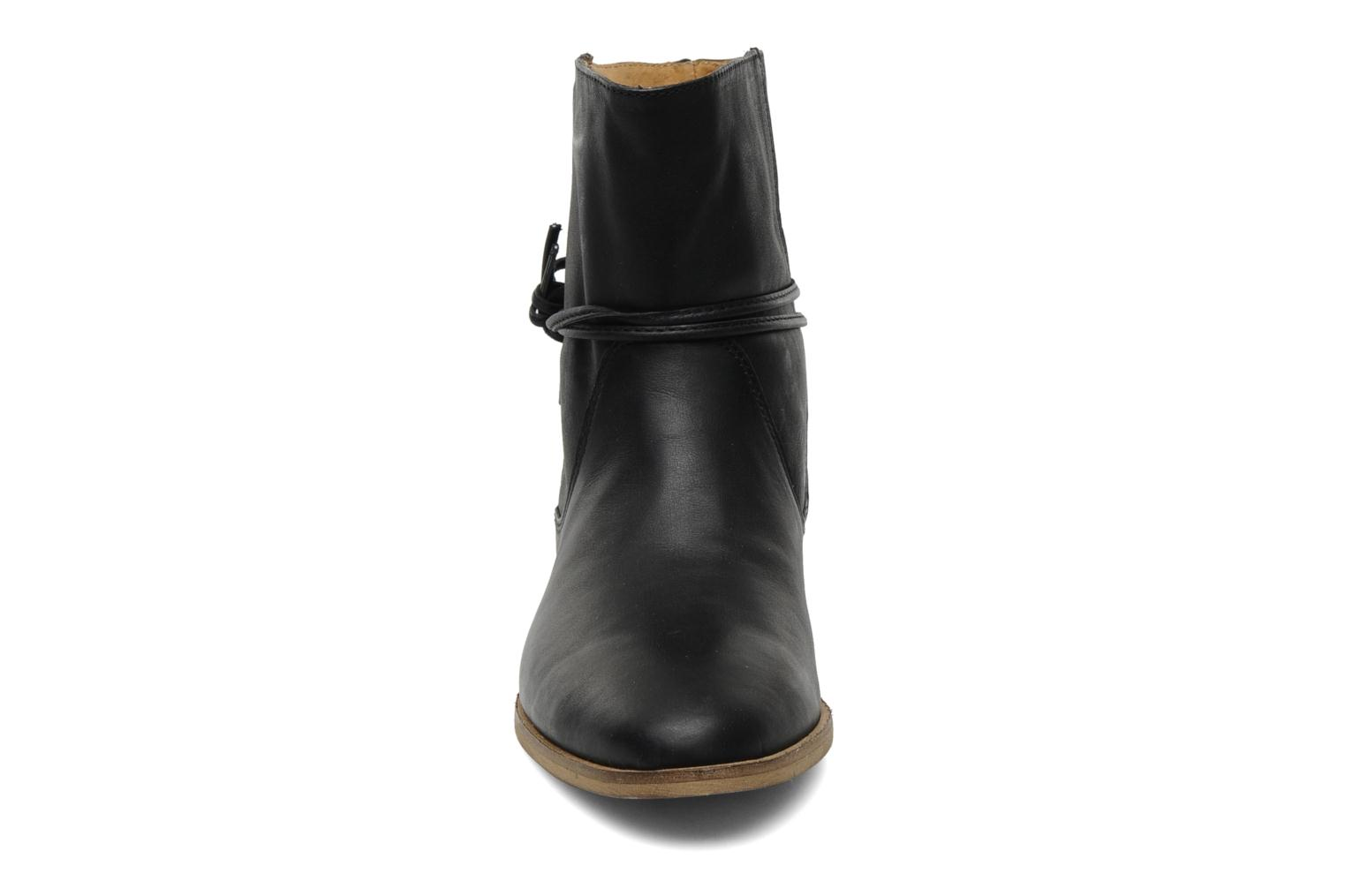 Ankle boots Georgia Rose Gioris Black model view