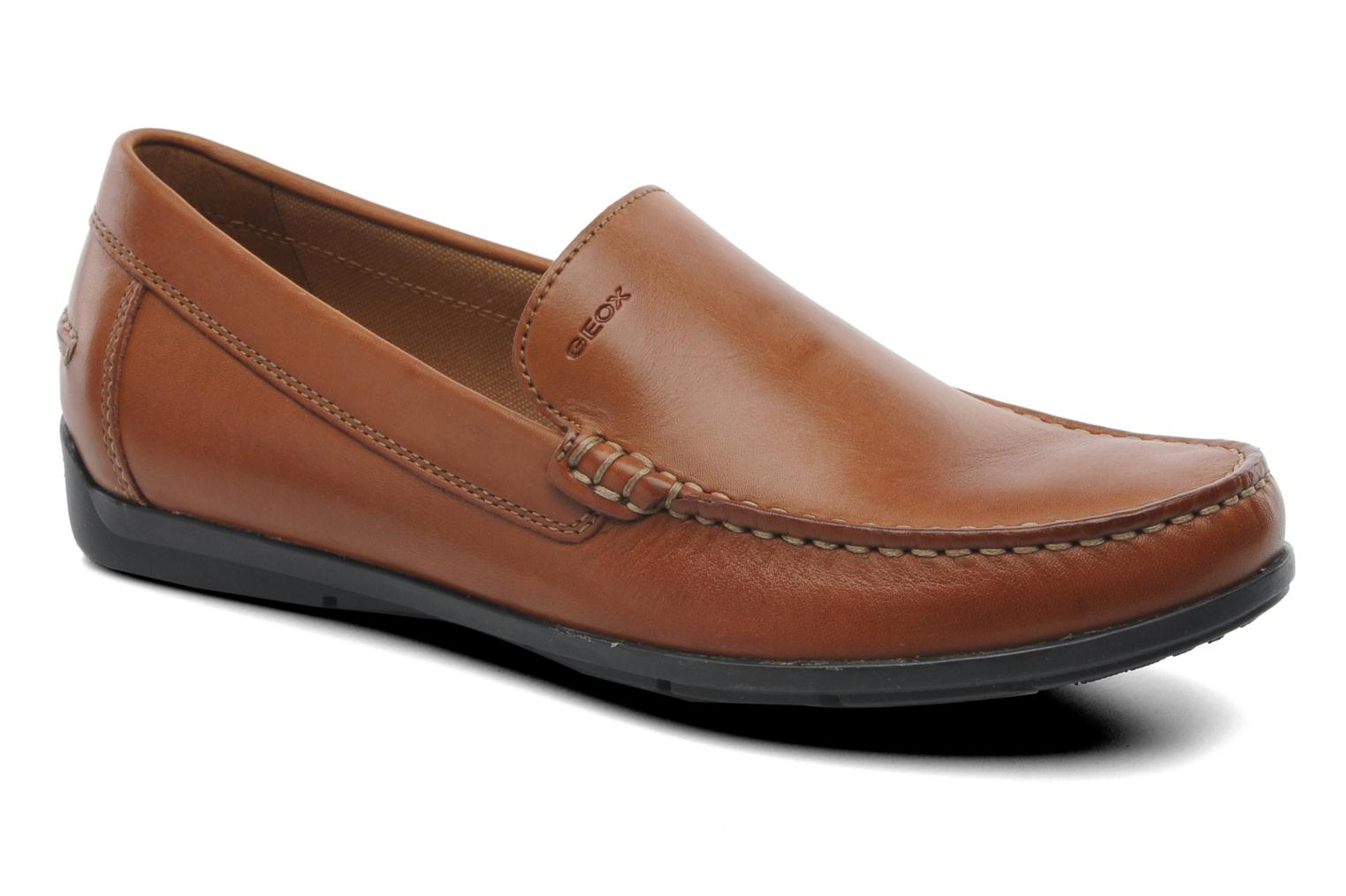 Loafers Geox U SIMON A U32Q3A Brown detailed view/ Pair view