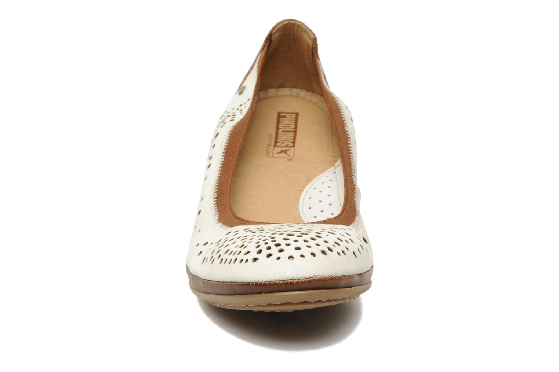 Escarpins Pikolinos Trento 9410 Blanc vue portées chaussures
