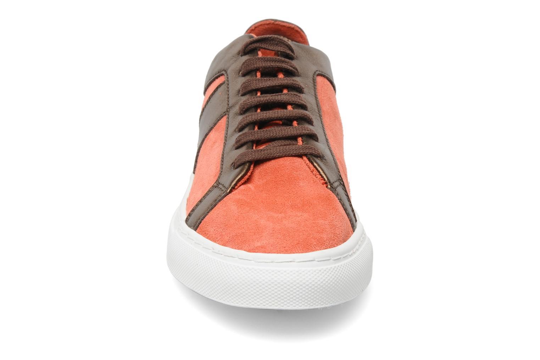 Sneakers Bensimon Flexys Suède/cuir F Rosso modello indossato