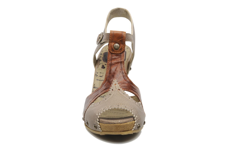 Sandales et nu-pieds Dkode Agnes Marron vue portées chaussures