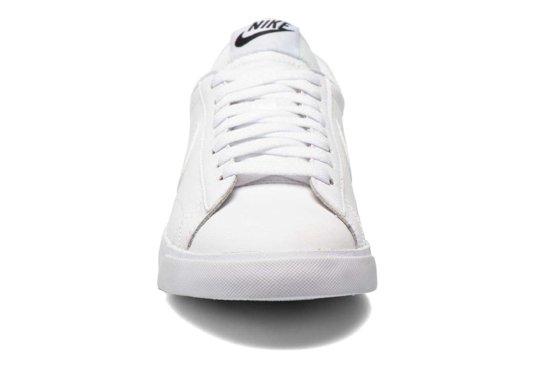 Sneaker Nike Tennis Classic Ac weiß schuhe getragen