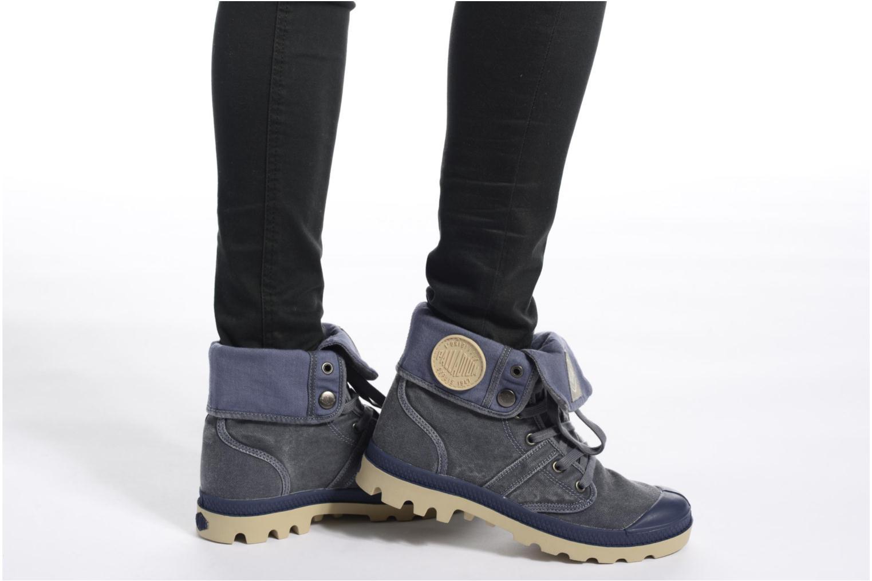 Sneaker Palladium Baggy CVS f grün ansicht von unten / tasche getragen